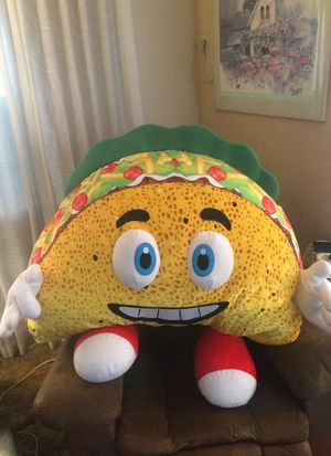 Extra large stuffed animal taco for Sale in Covina, CA