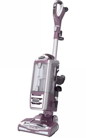 Shark Rotator Powered Lift-Away Deluxe Vacuum NV751 for Sale in Gardena, CA