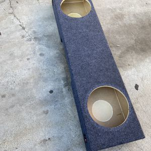 ($80) Firm 2 12s Truck Sub Box / Single cab for Sale in Sanger, CA