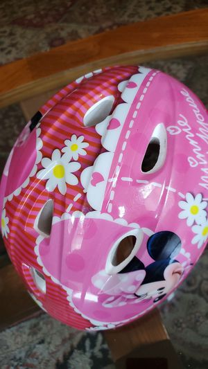 Disney Minnie Mouse girl's helmet. for Sale in Atlanta, GA