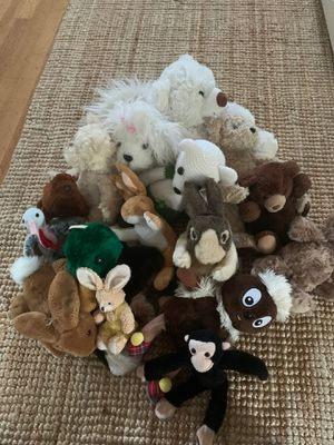 16 stuffed animals for Sale in Portland, OR