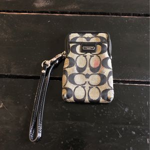 Used Coach Wristlet for Sale in Tampa, FL
