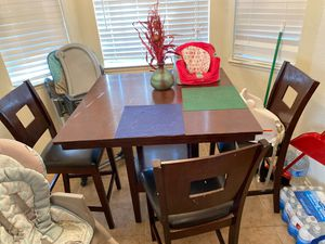 Dining table and four chairs for Sale in Hemet, CA