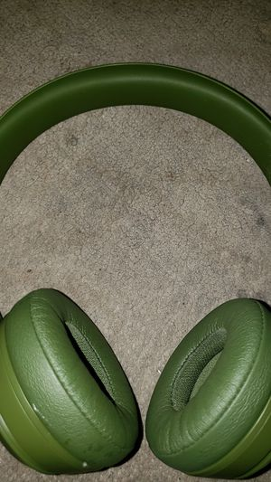 Beats Solo3. Green for Sale in Las Vegas, NV