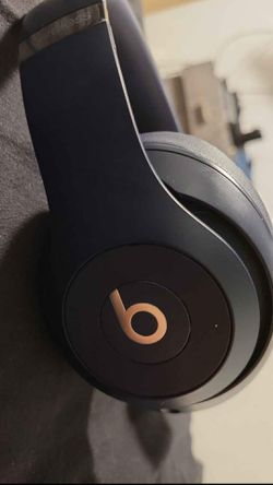 Beats By Dre Studio Pro 3 for Sale in Alexandria,  VA