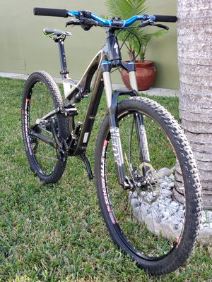 Bicycle MTB bike Specialized Stump Jumper FSR Carbon 29er medium for Sale in Hialeah, FL