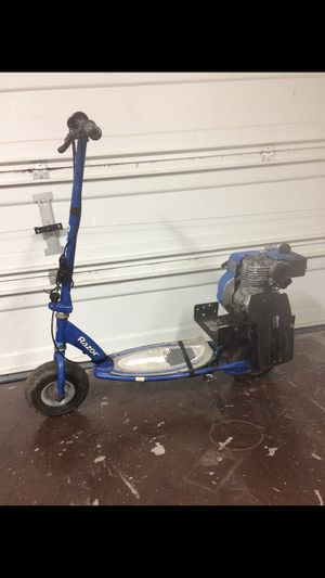 RAZOR SOOTER 2HP for Sale in Encinal, TX