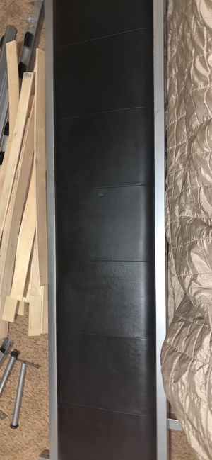 King Headboard and frame for Sale in North Las Vegas, NV