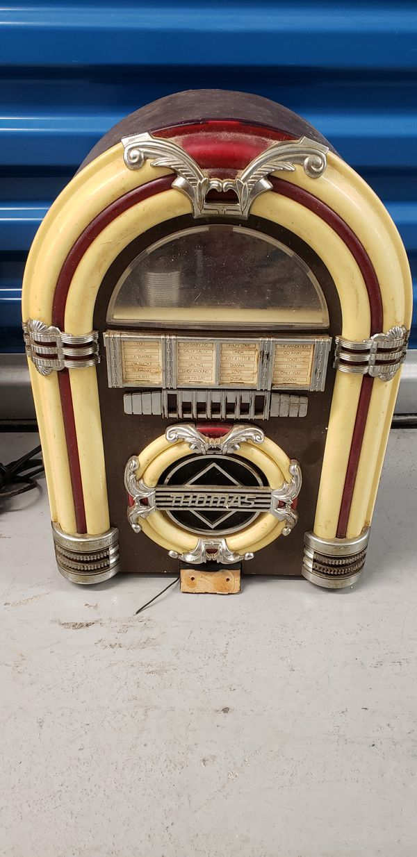 Thomas Collector's Edition Jukebox AM/FM Radio, Cassette CR11
