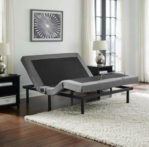 King size adjustable bed base with massage and usb charger for Sale in Dallas, TX