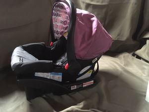 Infant car seat for Sale in Bellevue, WI