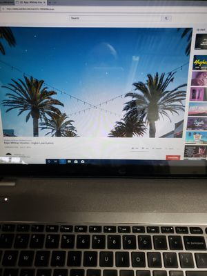 HP Envy TouchSmart mj-j020dx Touchscreen Quad Core i7 17.3 Silver Laptop 8GB 1TB for Sale in Upper Marlboro, MD