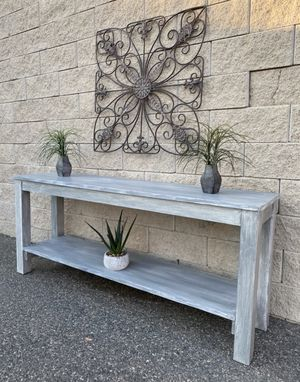 Elegant rustic farmhouse design hallway console table for Sale in Lake Elsinore, CA