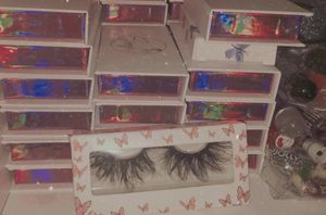 25 mm lashes for Sale in Lynwood, CA