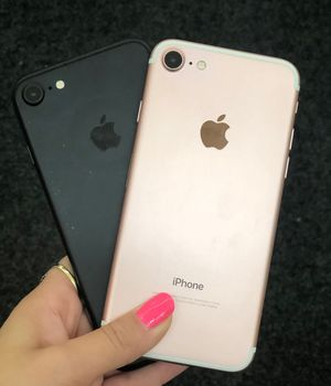 iPhone 7 Unlocked for Sale in Renton, WA