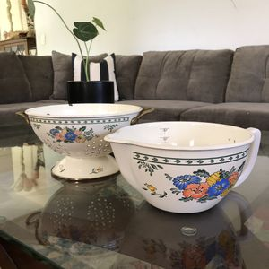 Vintage M.Kamenstein Enameled Measuring Bowl and Colander Enamelware for Sale in Glendora, CA