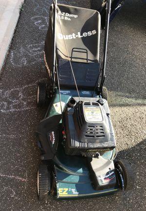 Craftsman 6.5hp lawnmower runs missing gas cap $60 for Sale in Naugatuck, CT