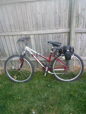 Schwinn motorized bike 4 stroke for Sale in Chicago, IL