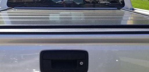 Peragon Locking Aluminum Tonneau Cover for Sale in Lincoln,  CA