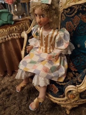 "Antique doll ........ 40"" tall ......in great condition for Sale in Moreno Valley, CA"