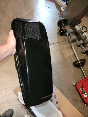 ADVANBLACK 5x7 Vivid Black saddle bag lids w/Addictive Audio 5x7 speakers for Sale in Fresno, CA