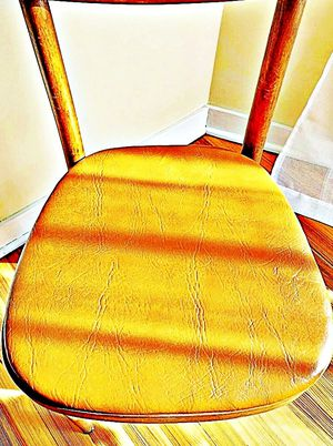 Wooden Shelby Williams Industries MCM chairs (4) with leather seat cushion. for Sale in Pikesville, MD