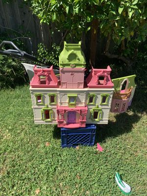 Doll house for Sale in San Lorenzo, CA