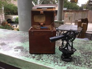 Antique Builder's level-transit for Sale in Azusa, CA