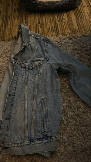 men's levi light washed jean jacket (pickup only) for Sale in Berea, OH