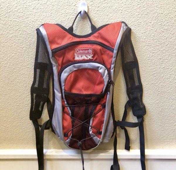 "NWOT Coleman Max 2L hydration hiking Backpack. Sz 19x9"""