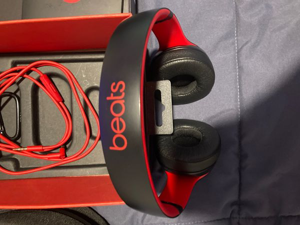 Beat solo 3 barely used new condition