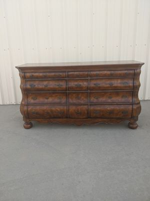 Beautiful dresser for Sale in Sanger, CA
