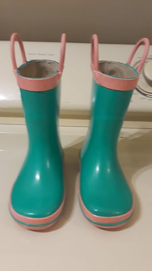 Girls rain boots size 7/8. PRICE REDUCED AGAIN! for Sale in BELLEAIR BLF, FL