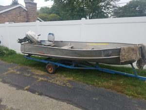 Aluminum 14 ft boat with 10hp Johnson motor and trailer for Sale in Elmhurst, IL