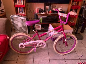 Girls 20 inch bike for Sale in Fresno, CA