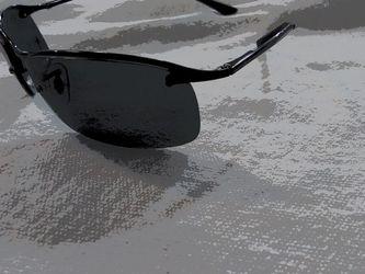 Mint Condition Men's Sunglasses RAYBAN for Sale in Boston,  MA