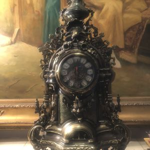 To candelabras with the clock marble for Sale in Los Angeles, CA
