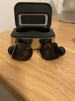 Master & Dynamic Wireless Earbuds for Sale in Bothell, WA