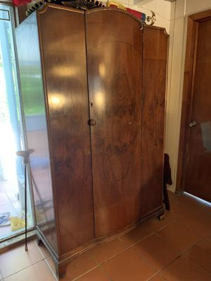 Antique armoire for Sale in Fort Lauderdale, FL