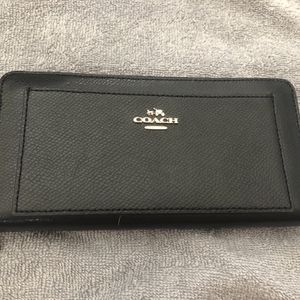 Coach Large Wallet for Sale in Niagara Falls, NY