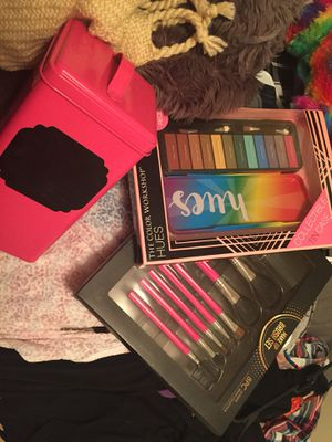 Makeup! for Sale in Bay, AR