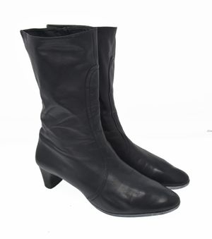Cole Haan Women's Sz 8.5B Black Super Soft Leather Zip Up Fashion Ankle Boots for Sale in Aurora, IL