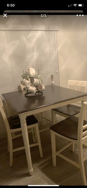 Kitchen table - white and dark brown for Sale in Las Vegas, NV