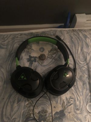 Turtle beach headset w/mic and control freek for Sale in Queens, NY