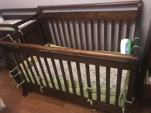 Crib and Crib Mattress for Sale in Tamarac, FL