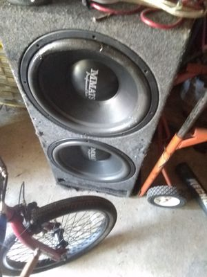 2 15 inch mmatt subwoofers and nice tuned box for Sale in Tallmadge, OH