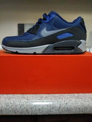 Mens size 9.5 for Sale in Montclair, CA