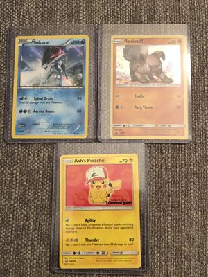 """Miscellaneous amount of Foil/Holo cards ; 1 """"Pokemon The Movie"""" Card for Sale in Wayne, MI"""