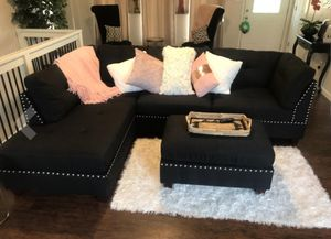 Black linen sofa sectional with ottoman 104x75 for Sale in North Miami Beach, FL