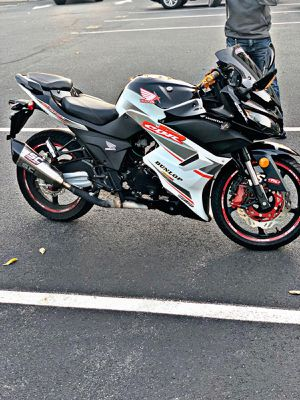 2017 motorcycle with clean title..300cc for Sale in East Orange, NJ